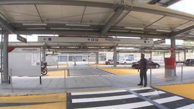 Terminal de integração de passageiros do acesso norte do metrô é inaugurado - Durante a inauguração houve um protesto do Sindicato dos Transportadores Escolares e de Turismo.