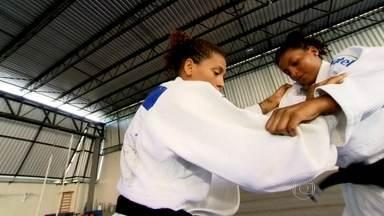 Atletas campeões precisam de coragem, determinação e respeito - No Pólo CDD Estácio do Instituto Reação, saíram alguns dos melhores judocas do Brasil e do mundo. Todos eles tiveram em comum a determinação. Um bom exemplo disso é a atleta Rafaela Silva.