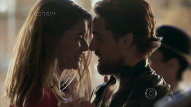 Relembre a história de Lívia e Felipe e confira teaser do último capítulo de Além do Tempo - O que será que Pedro e Melissa estão planejando para acabar com o casal?