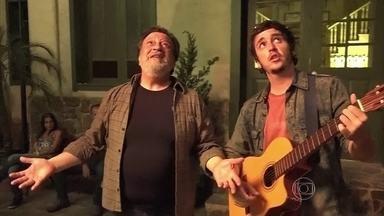 Confira os bastidores da serenata de Massimo para Salomé - Luís Melo e Wagner Santisteban comentam cena da reta final da novela Além do Tempo