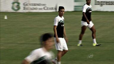 Biancucchi é apresentado em Porangabuçu - Meia argentino chega para fazer sucesso no Ceará.