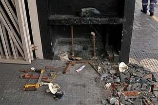 Vândalos quebram hidrômetro de lojas em Mogi das Cruzes - Cinco lojas tiveram os equipamentos danificados.