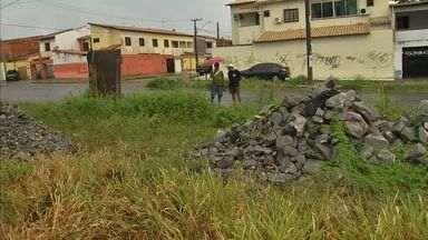 Moradores do Mondubim aguardam há um ano e meio por posto de saúde - Obras da unidade sequer foram iniciadas.