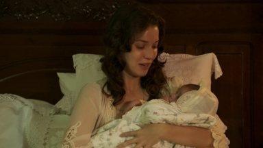 Anastácia dá à luz um menino - O Barão se revolta ao saber que a filha escondeu a gravidez e afirma que ela não ficará ficar com o bebê. Anastácia esconde seu medalhão nas roupas do filho, que é deixado em um rio