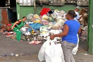 Cooperativa de reciclagem tenta se readaptar após incêndio em Poá - Retirada de materiais em domicílio está suspensa.