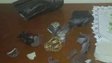 Vândalos quebram imagem de Nossa Senhora Aparecida na catedral de Ribeirão Preto - Padre Francisco Moussa disse que ação ocorreu na manhã de segunda-feira (18). Suspeitos não foram identificados.