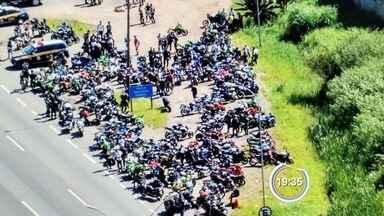 Dezenove motociclistas são detidos em operação da PRF - Flagrante foi na Fernão Dias.
