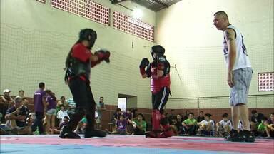 Atletas participam da Olimbairros em Bituruna - É uma disputa entre bairros da cidade. A competição vai até o dia 23 de janeiro.
