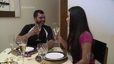 Solteiros no Supermercado: Carol e Anderson jantam juntos e mostram sintonia - Especialista em relacionamento analisa o encontro do casal