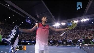 Tenista reclama de música da torcida no US Open - Jogador reclamou com a arbitragem e com a torcida.
