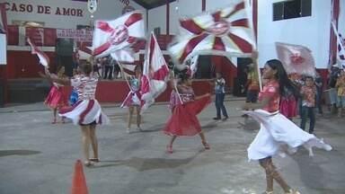 Escola de samba realiza encontro solidário de agremiações do carnaval amapaense - Uma grande festa solidária. Assim será a noite de hoje na sede da escola de samba Boêmios do Laguinho. Tudo para ajudar o intérprete da escola.