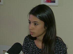 Estudante caruaruense é aprovada em medicina no 1º lugar geral da UFPE - Maria Karollina, de 19 anos, teve média de 862,06 no Enem e nota 940 na redação.