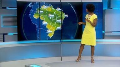 Confira a previsão do tempo para este fim de semana no Brasil - Vai fazer calor em São Paulo no feriado. Curitiba continua com temperaturas abaixo da média pra época.