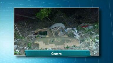 Imagens mostram grande quantidade de lixo em terreno de Santarém - Fotos foram enviadas por telespectador à TV Tapajós.