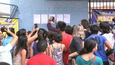 Em Santarém, estudantes comemoram aprovação no vestibular da Uepa - Listão de aprovados foi divulgado nesta quinta-feira (28).