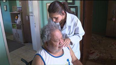 Médico em casa também vai orientar sobre a dengue - Equipes médicas da prefeitura que fazem atendimento na casa dos pacientes entram no combate à dengue.