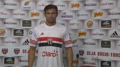 Diogo Campos é novo reforço do Botafogo-SP para o Paulistão 2016 - Atacante volta ao tricolor de Ribeirão Preto (SP) após passagem pelo Santa Cruz.