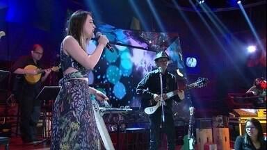 Roberta Sá canta a música 'Mais alguém' - Cantora participa da gravação do 'Altas Horas'
