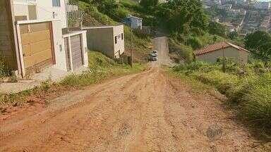 De Olho na Rua: moradores reclamam que bairro está 'abandonado' em Machado (MG) - De Olho na Rua: moradores reclamam que bairro está 'abandonado' em Machado (MG)