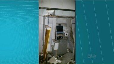 Bandidos explodem agências bancárias em Jaguapitã e Marilena - Cerca de dez homens armados com fuzis e pistolas chegaram em Jaguapitã por volta das três horas da manhã. Parte foi para a agência e outros homens foram até o pelotão da PM e atiraram contra a sede.