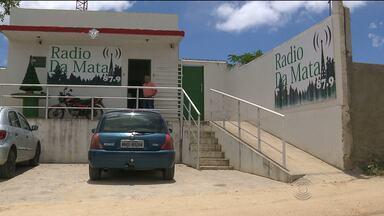 Ladrões invadem Rádio comunitária no Distrito de São José da Mata - Os bandidos roubaram equipamentos e reviraram tudo.