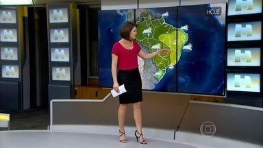 Previsão é de tempo quente em todo o Brasil - Deve chover forte desde Florianópolis até São Paulo, em quase todo o Centro-Oeste, Norte e parte do Maranhão e do Piauí.