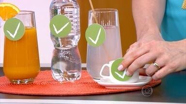 Hidratação é fundamental para evitar a ressaca - Isotônico e refrigerante também ajudam a prevenir a ressaca. O gastroenterologista e hepatologista Luiz Carneiro explica que, quando misturamos bebidas, perdemos a noção da quantidade de álcool ingerida.