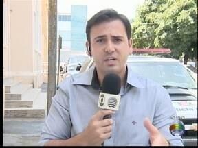 Homem de 51 anos é encontrado morto em Presidente Prudente - Vítima tinha perfurações pelo corpo e estava em um cômodo de um posto de combustíveis no Jardim São Sebastião.