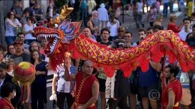 Comunidade chinesa em SP celebra Ano Novo chinês - É a celebração do ano de 4714. O Ano Novo, na verdade, começou no dia oito, segunda-feira de carnaval.