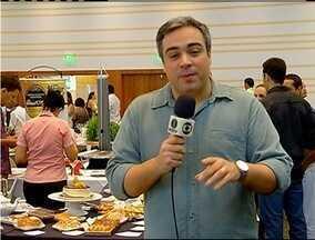 Sabores & Bastidores acompanha feira que traz novidades e curiosidades na gastronomia - Feira aconteceu em Macaé, no RJ.