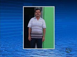 Pastor morre após cair de telhado de igreja em Saloá, no Agreste de PE - Ele estava consertando o telhado e começou a passar mal quando caiu.