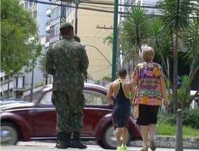Militares montam base em Praça de Petrópolis, RJ, no Dia D contra o Aedes aegypti - Sábado (13) foi marcado por ações em todo o país.