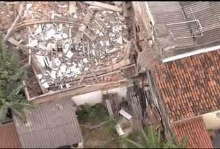 Laje de prédio desaba durante chuvas em Belo Horizonte - Construção fica no Bairro Carlos Prates.