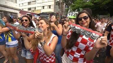 Blocos de carnaval resistem em Belo Horizonte e desfilam neste sábado - Mesmo o fim do carnaval sendo na terça-feira, alguns blocos desfilaram na capital mineira.