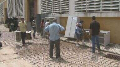 Prefeitura de Amparo divulga imagens da tempestade que atingiu a cidade na segunda-feira - Prédio da administração municipal foi invadido pela água. Prejuízo é estimado é de R$ 500 mil.