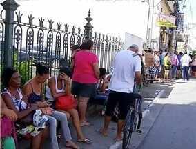 Sistema do agendamento do recadastramento do cartão cidadão em Campos não funciona - Longas filas se formaram.