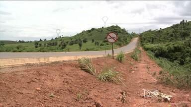 Obras inacabas na BR-222 em Açailândia geram reclamações de motoristas - Por conta das obras que ainda não foram concluídas, o risco de acidentes na rodovia é grande.