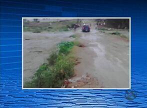Chuva forte é registrada em Santa Cruz do Capibaribe - Foram identificados 10 pontos de alagamento no município.