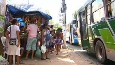 Usuários reclamam de demora de ônibus em Santarém - Além da demora, passageiros reclamam da estrutura das paradas.