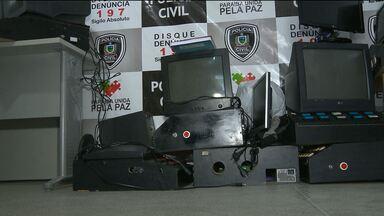 Várias máquinas de caça-níqueis são apreendidas em casa de jogos em Campina Grande - A Polícia fez a apreensão após denúncias anônimas.