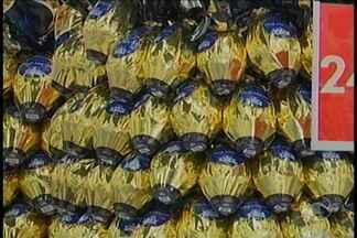 Ovos de Páscoa começam a ganhar espaço nas prateleiras - Expectativa de venda é de 20% em relação ao ano passado