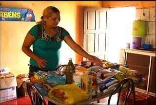 Família da menina Vitória recebe várias doações de telespectadores - Menina tem doença genética rara e recebe cuidados da tia.