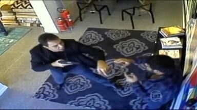 Polícia pretende concluir, em 15 dias, investigação sobre policial que agrediu comerciante - A jovem que foi o pivô do caso, falou ao Fantástico.