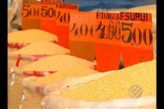 O preço da farinha e do açaí está com o reajuste muito alto nos últimos meses - Os dados são de pesquisa do Dieese-PA.
