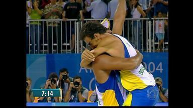 Maior campeão da história do vôlei de praia, Emanuel anuncia aposentadoria - Aos 42 anos, o multicampeão Emanuel aposenta as areias.