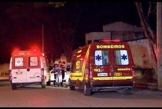 Mulher morre após caminhão passar por cima dela em Contagem - Testemunhas contaram à PM que ela dormia debaixo do veículo.