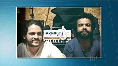 The Baggios e Dônica são atrações do Lollapalooza - O festival, que acontece no autódromo de Interlagos, conta as participações do The Baggios, banda de Sergipe que toca blues primitivo e rock, e do Dônica, de um dos filhos do Caetano Veloso, que vem com o som progressivo e pegada dos anos 70.