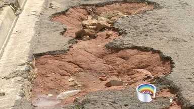 Moradores de Bragança Paulista reclamam de buracos nas ruas - Eles mandaram as fotos pelo aplicativo Vanguarda Repórter.