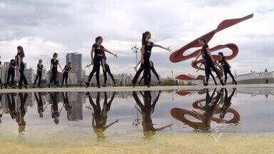 Bailarinas de sapateado ganham campeonato em Berlim - Elas são da escola livre de dança de Santos e ganharam o primeiro lugar na categoria dança folclórica em um festival internacional na Alemanha.