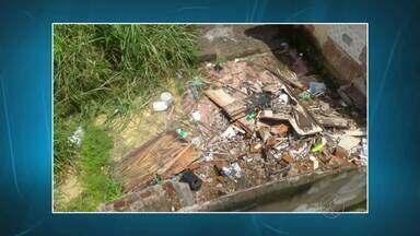 Telespectadores registram flagrantes de acúmulo de lixo e entulho em Juiz de Fora - Registros foram feitos nos bairros Teixeiras, Santa Cruz e Grama. Secretaria de Atividades Urbanas respondem moradores.